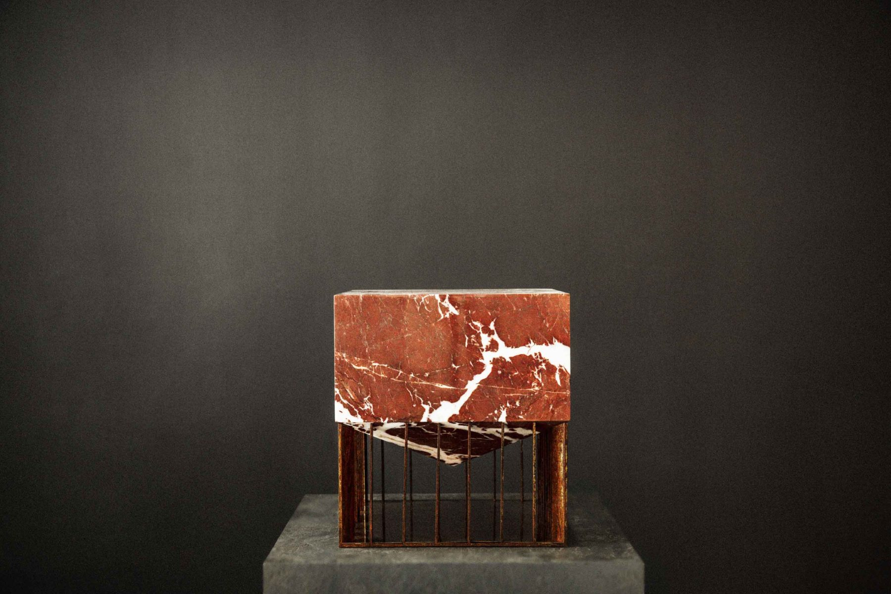 Red Marble Top : Wang — the rare table collection